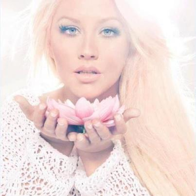 Christina Aguilera – Just A Fool (feat. Blake Shelton)