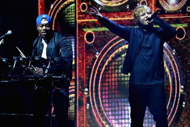 Ed Sheeran & Rudimental – Lay It All On Me (Perform at MTV-EMA)