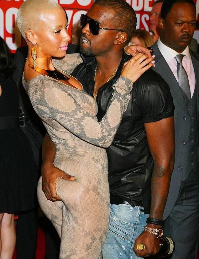 Kanye West, ünlü rapçi Wiz Khalifa ile Twitter üzerinden konuşurken bir yanlış anlamayla ortalığı birbirine kattı. Marijuanaya referans verirken kk yazan Wiz Khalifa'ya kk'yi Kim Kardashian sanarak atarlanadı. Karısına laf edildiğini düşünen Kanye West; Wiz Khalifa'nın eski eşi, kendisininse eski sevgilisi olan Amber Rose hakkında ileri geri konuşmaya başladı. Wiz Khalifa durumu açıklayınca özür dileyip tweetlerini sildi ama internet unutmaz!
