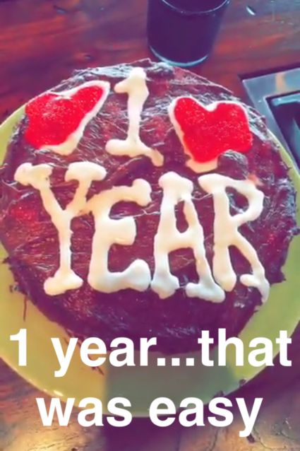 425_calvin_harris_taylor_swift_cake_snapchat