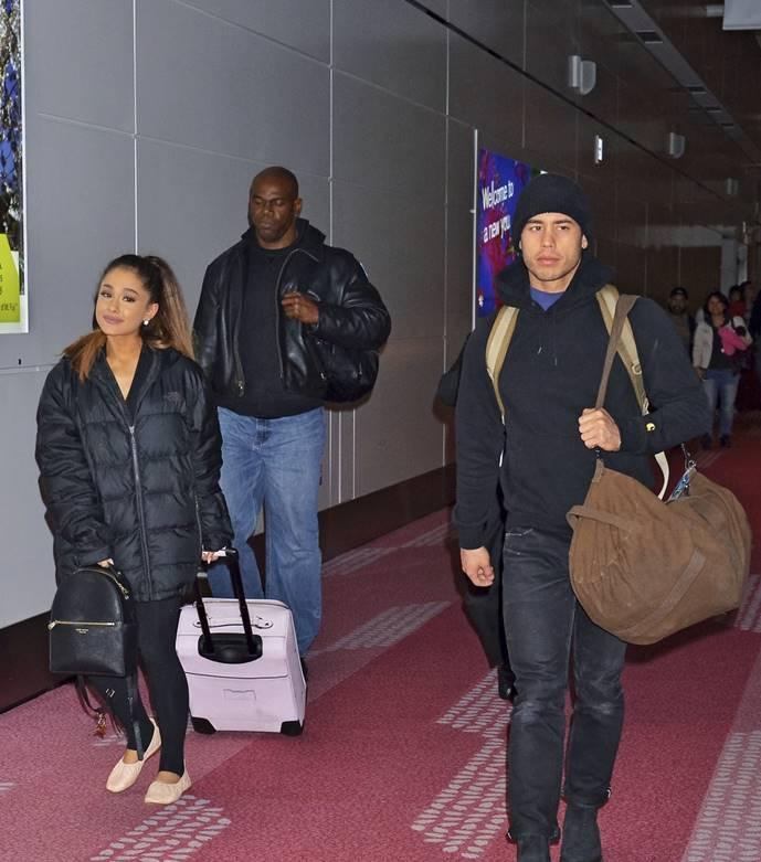 Ariana Grande arrivres in Japan