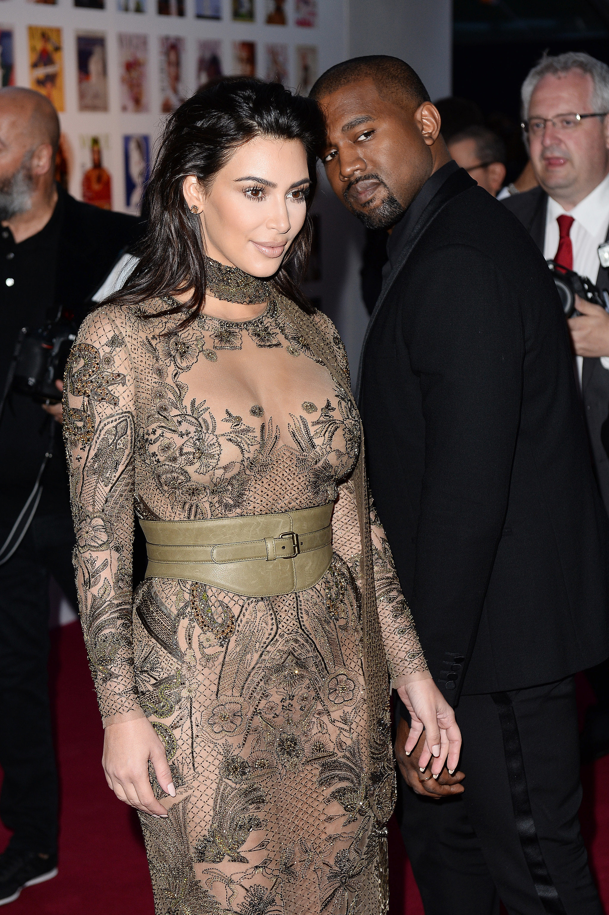Kim-Kardashian-Kanye-West-Vogue-100-Gala-Dinner-2016 (1)