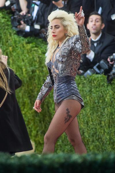 Lady-Gaga-Nicki-Minaj-Met-Galası-2016-2