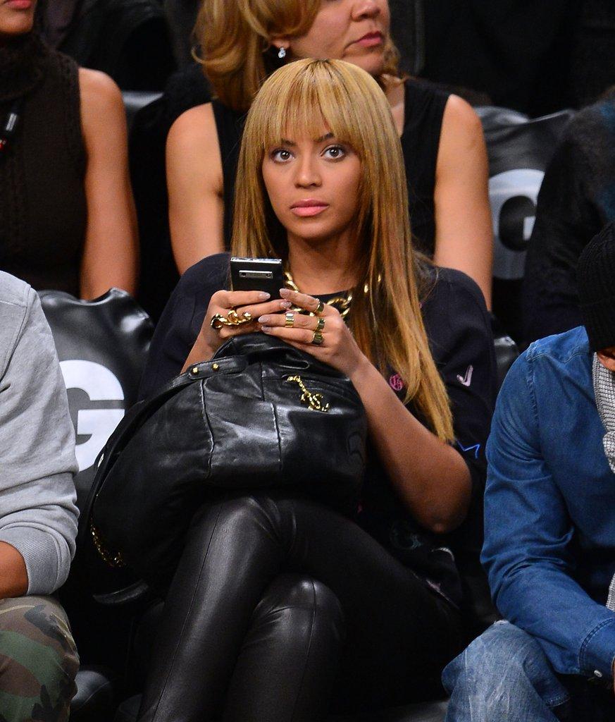 Beyonce-Knowles-Jay-Z-Watch-Knicks-vs-Nets-Games