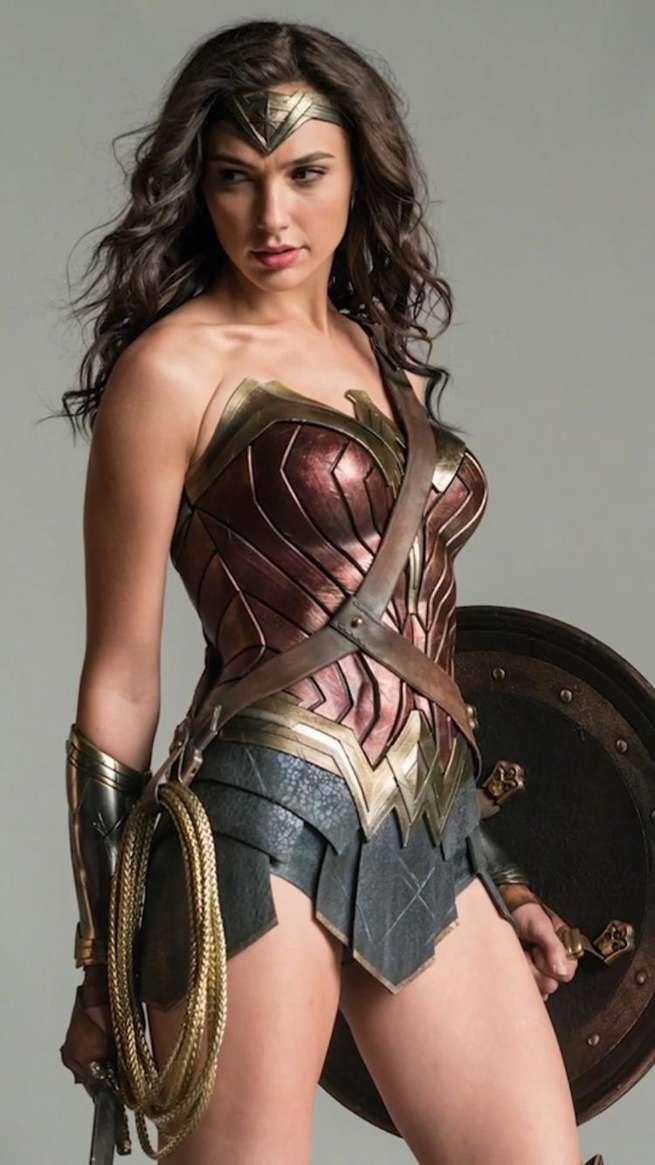 wonder-woman-gal-gadot-wonderwomansnap1-175496