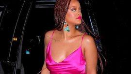 Rihanna hayranlarından sessiz bekleyiş