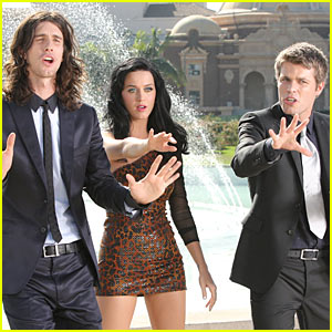 3OH!3 – Starstrukk –  (feat. Katy Perry)