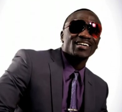 Akon – Beautifull (ft. Colby O'donis)
