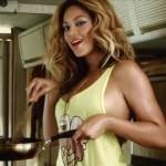 Beyoncé bu olanlardan sonra ne haldedir bilemiyoruz, ama şundan hiç şüphemiz yok, böyle hayranları olduğu sürece onun sırtı asla yere gelmez!