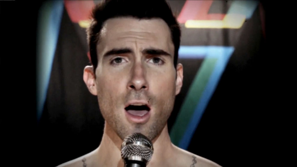 Maroon 5 – Moves Like Jagger (ft. Christina Aguilera)