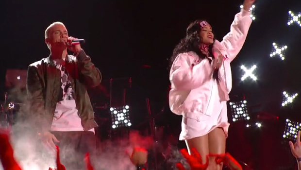 Rihanna & Eminem – Monster [2014 Mtv Movie Awards]