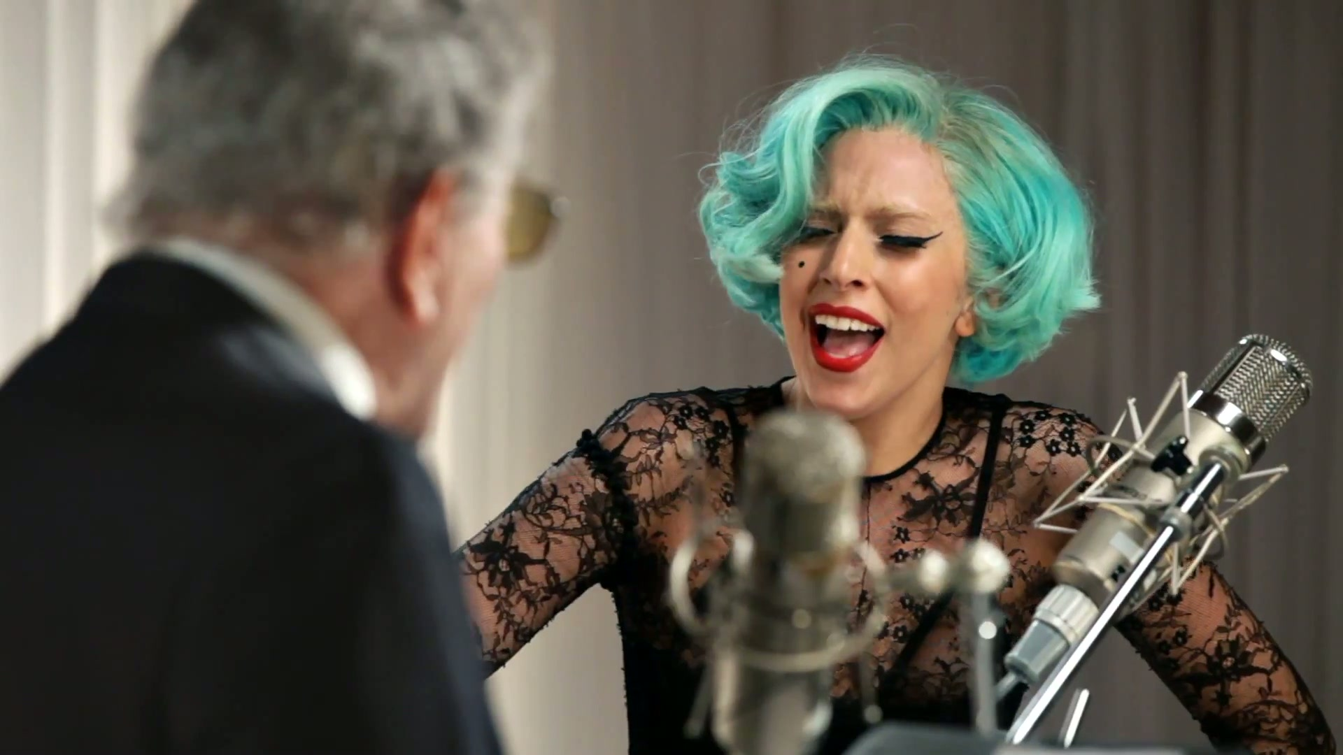 Lady Gaga – Anything Goes (feat. Tony Bennett)