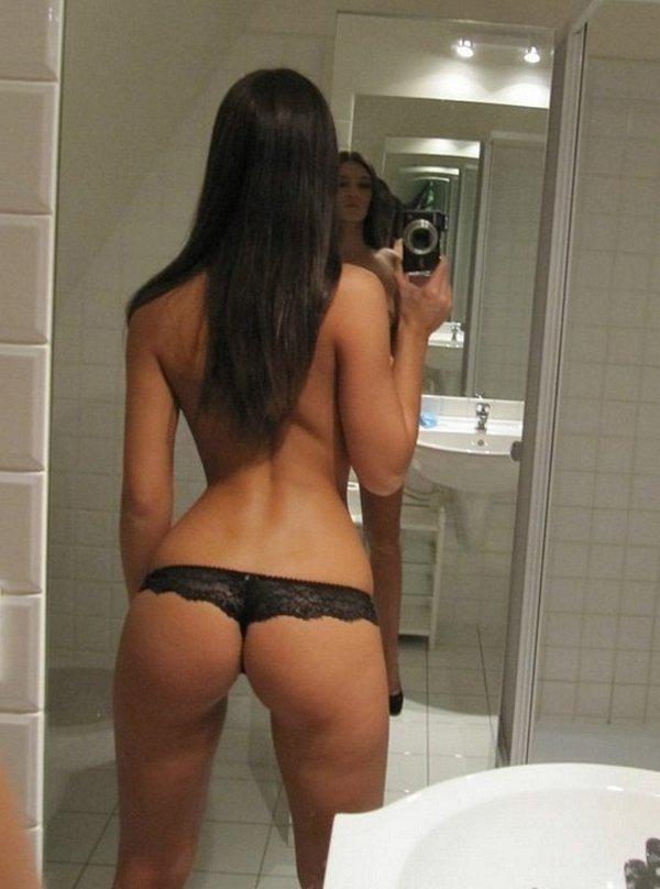 фото девушки брюнетки интимные
