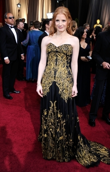 best-dressed-celebs-at-the-2012-oscars-1-435x580
