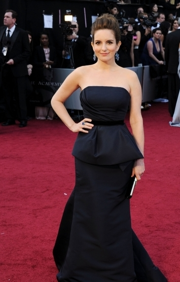 best-dressed-celebs-at-the-2012-oscars-4-435x580