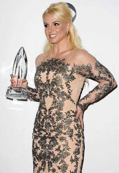 britney-spears-peoples-choice-awards-2014-600