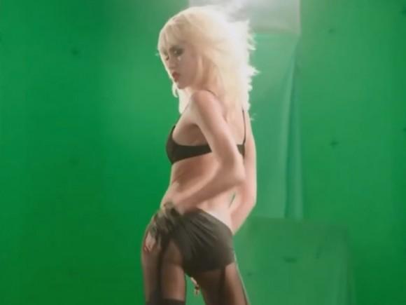 jessica-alba-green-screen-striptease-scene-filming-sin-city-2-06