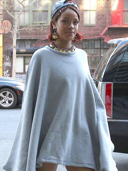 rihanna-pokies-in-a-pancho-with-no-pants-02-675x900