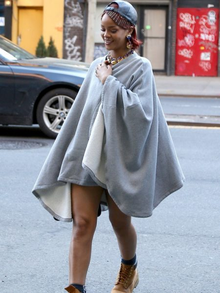 rihanna-pokies-in-a-pancho-with-no-pants-09-675x900