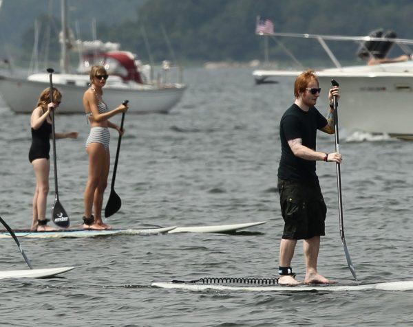 taylor-swift-bikini-paddleboarding-with-ed-sheeran-03