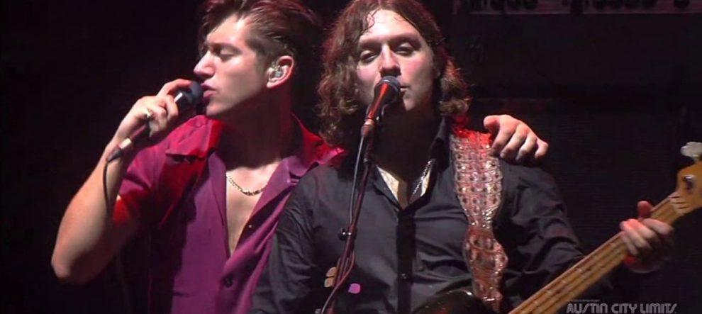 Arctic Monkeys'in özel performansı yayında