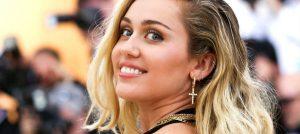 Miley Cyrus: Hala kadınlara ilgi duyuyorum