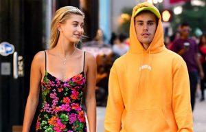 Justin Bieber, Hailey Bieber'ı sevmelere doyamıyor